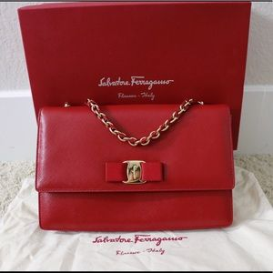Salvatore Ferragamo - Medium Crossbody Bag, Rosso